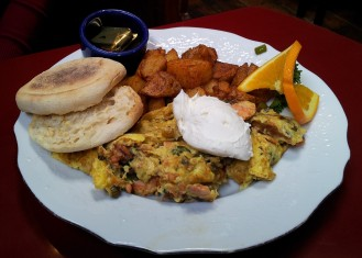 san francisco, restaurant, tastesliketravel.com, brickhouse cafe and saloon, review, salmon scramble