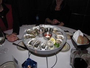 oysters, seafood, seattle, tastesliketravel.com, glen and julie farris, restaurant reviews, travel,